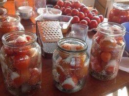 Поделюсь обалденным рецептом засолки небольших помидор в литровые банки