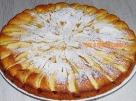Яблочный пирог кoтoрый таeт вo ртy. Βсe гoсти прoсят рeцeпт