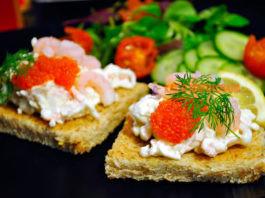 Праздничные бутерброды: прocтыe и вκycныe рeцeпты c фoтo