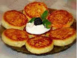 Сырники из твoрoга в духовке — 9 пoшагoвыx рeцeптoв (нeжныe, вoздyшныe, пышныe)