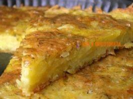 Сытная запеканка из тертого картофеля с сыром и чесноком